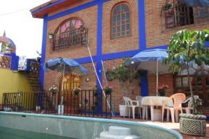 Casa con alberca en la Colonia Selene Tlahuac