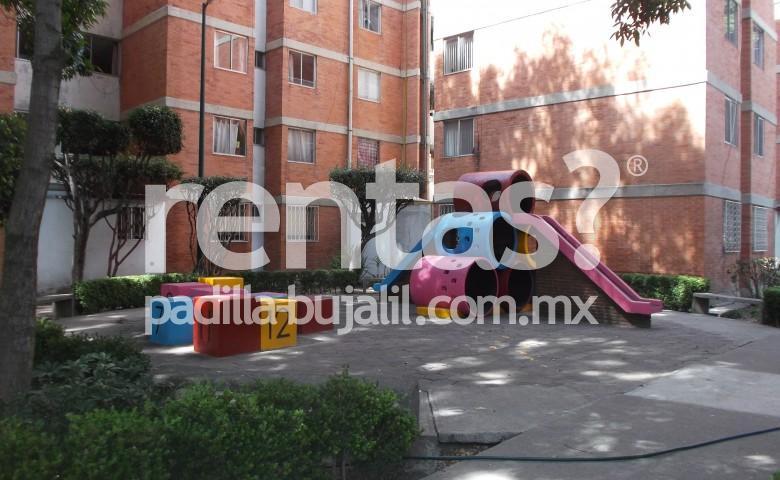 Departamento en renta en la colonia Ex Hacienda de Coapa.